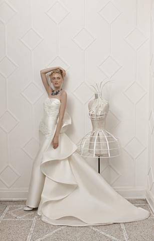 Elisabetta Polignano abito in mikado