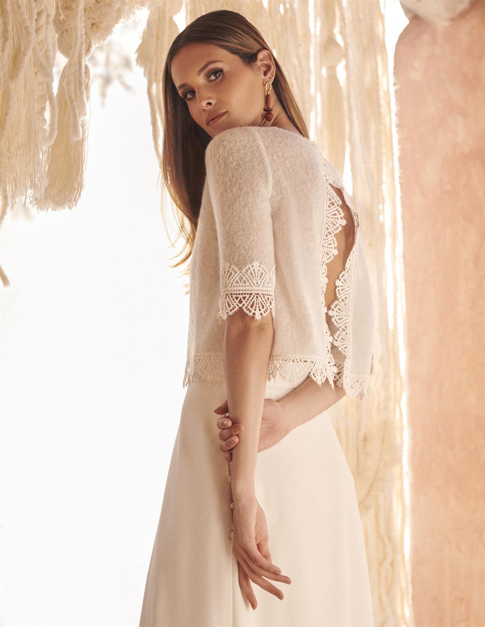 abito da sposa corpino in lana e gonna in organza