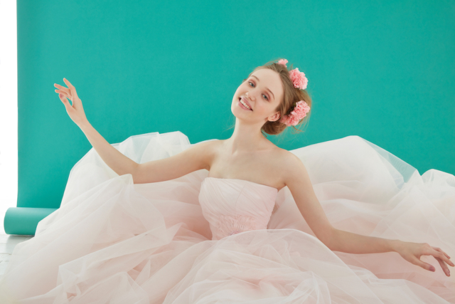 abito in delicata nuance rosa