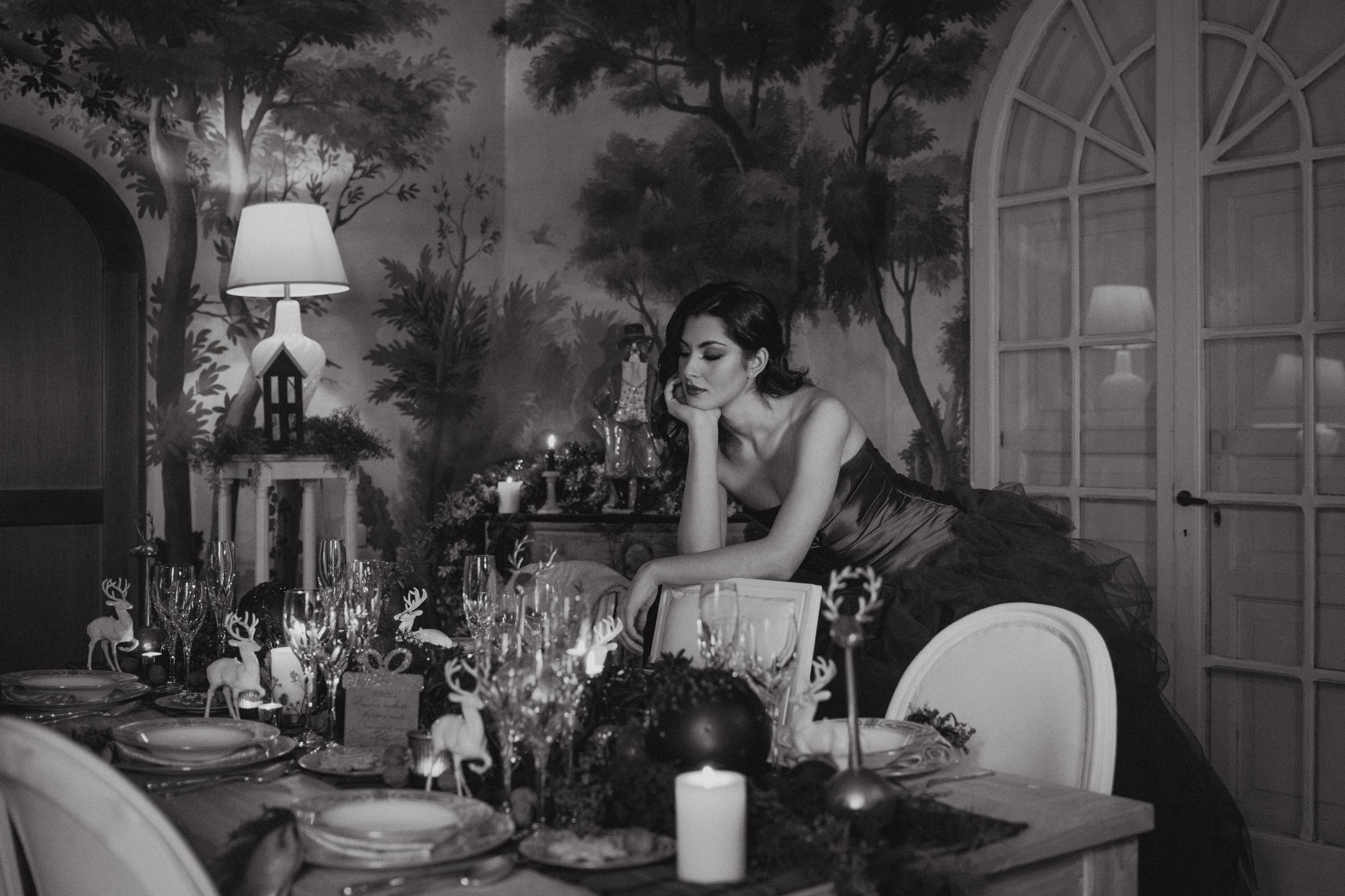 la sposa ed il tavolo allestito