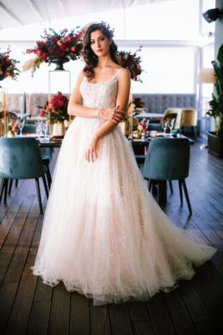 abito da sposa importante